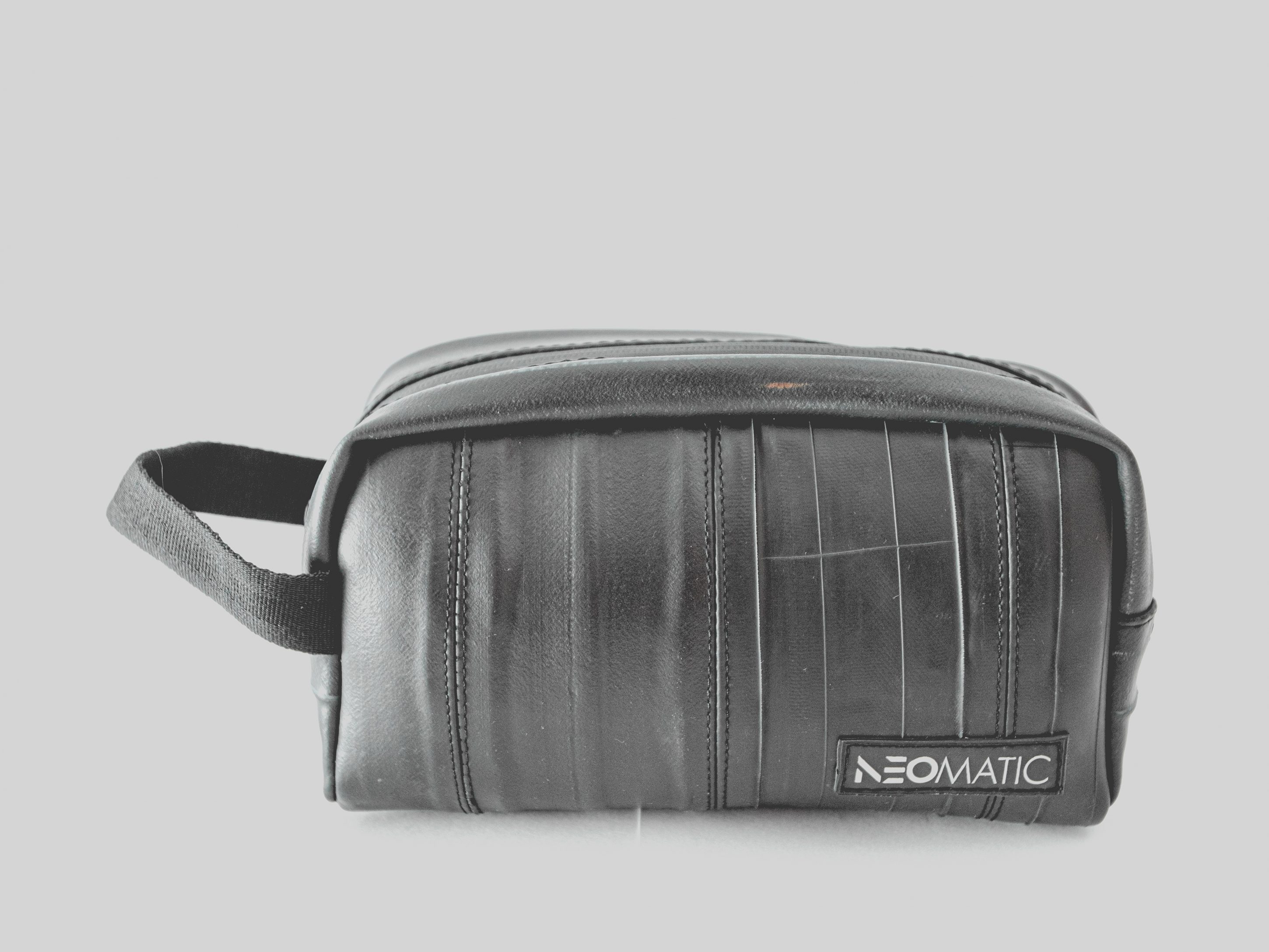 Must bag Neomatic toiletry bag neceser
