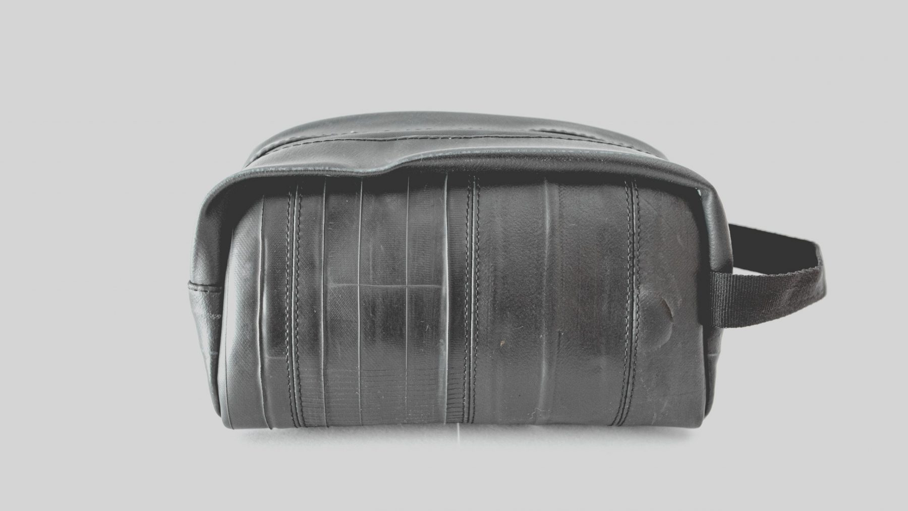 Must bag Neomatic toiletry bag neceser